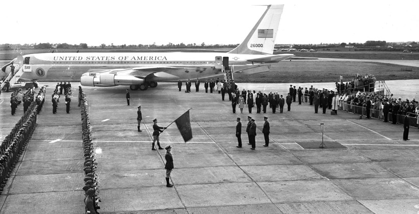An Honour Guard welcomes JFK to Irish soil. (NLI, Independent Newspapers Collection)