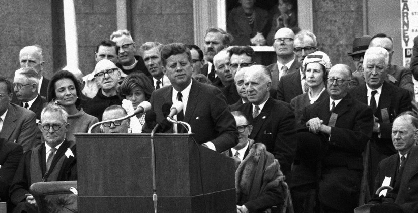 Wexford dignitaries look on JFK speaks to the crowds. (NLI, Independent Newspapers Collection)