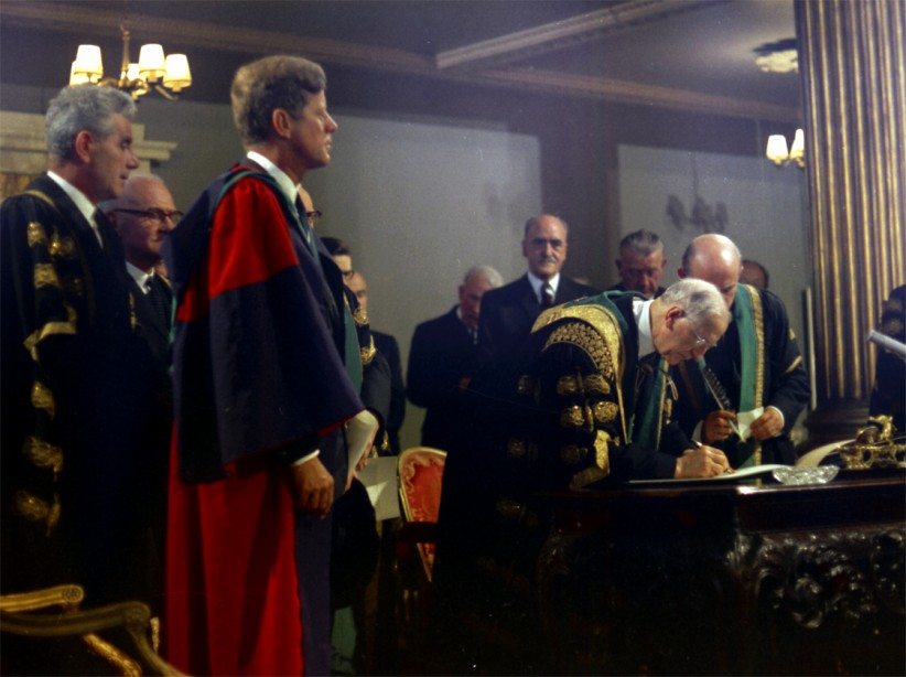 President de Valera signs the Honorary Degree Certificate presented to JFK. (JFK Presidential Library)